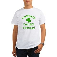Kiss Me I'm 21 on St Patricks Day Organic Men's T-Shirt
